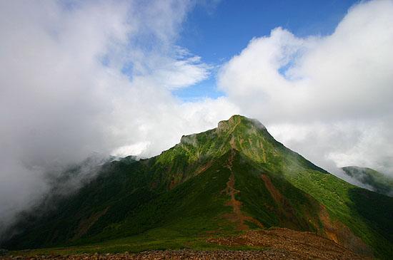 赤岳から中岳、阿弥陀岳を望む。これが見たくて登ったんだ。